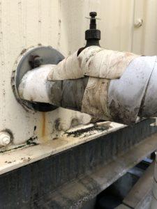 漏水している配管