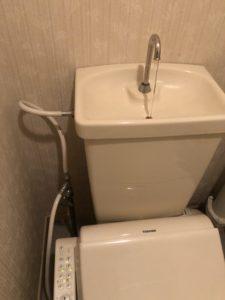 修理前のトイレ