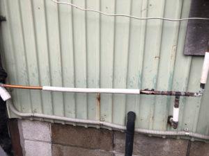 凍結破裂した周辺配管