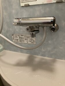 交換前の浴室混合栓