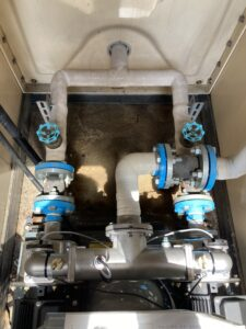 給水ユニットと既設管を接続