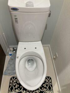 温水洗浄便座を取り外したトイレ